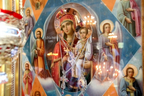 The icon is a wonderful thread between people and God.