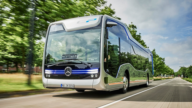 Mercedes-Benz Future Bus в городе