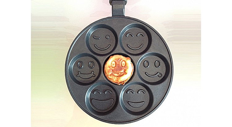 Frying pan with smiles