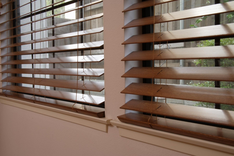 Wooden curtains