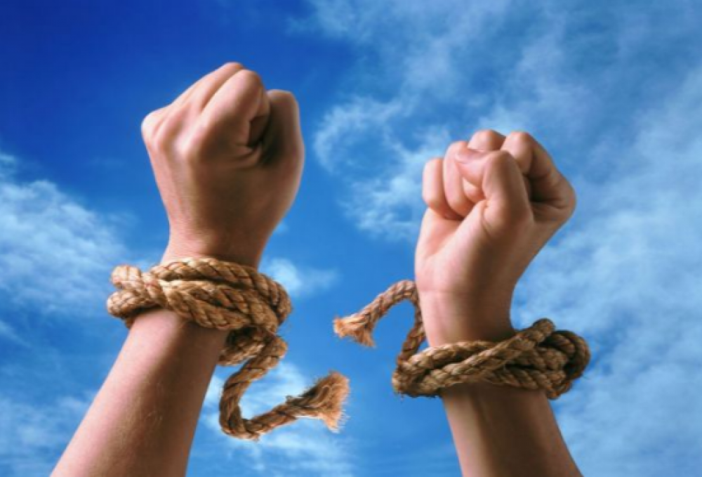 Torn rope on hand