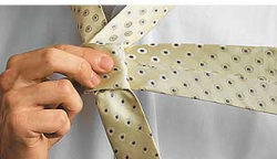 How to tie a tie knot Moskoni-2