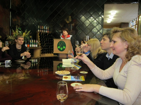 Excursion to the factory of sparkling wines