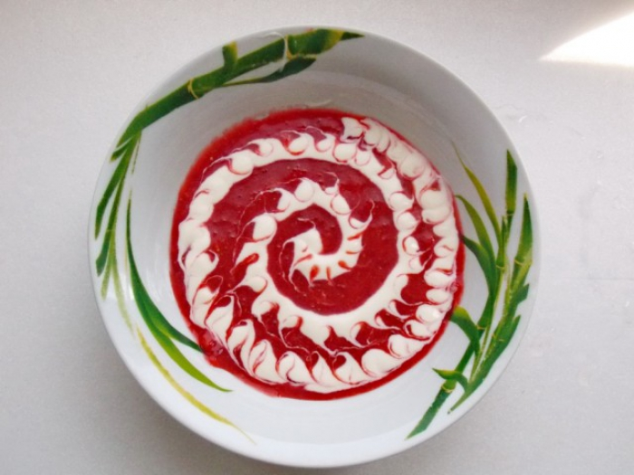 Strawberry soup in the plate