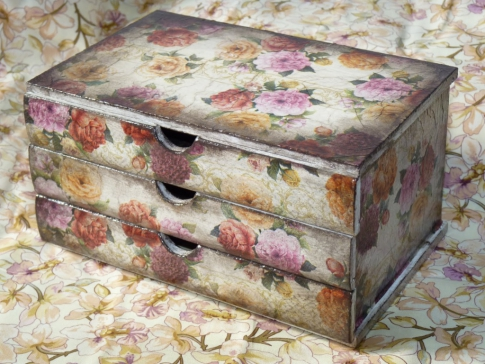 Jewelry box with your own hands