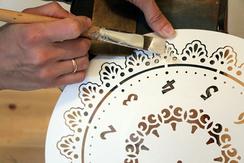 Painting with stencil