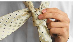 How to tie a tie knot Moskoni-4