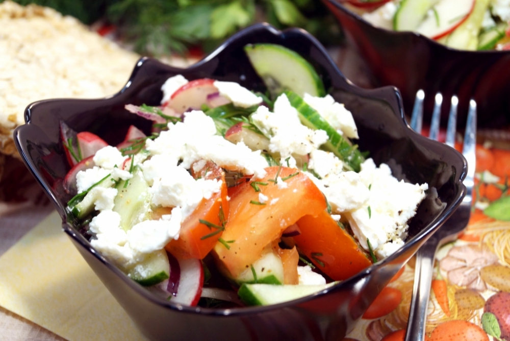 Salad with feta cheese and vegetables