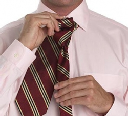 How to tie a tie with a cross-4 knot